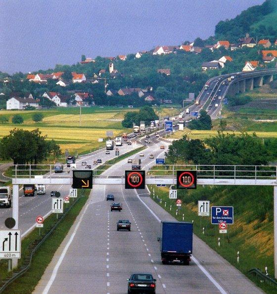 http://www.autobahn-online.de/images/1987_01.jpg
